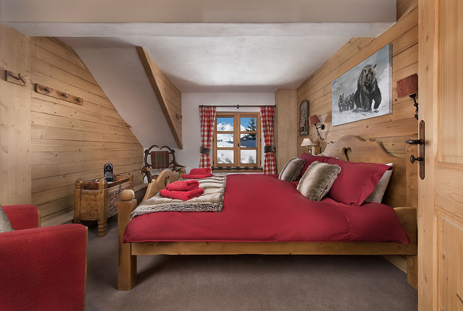 Luxury Ski-in Ski-out Chalet in Courchevel Village Image 4
